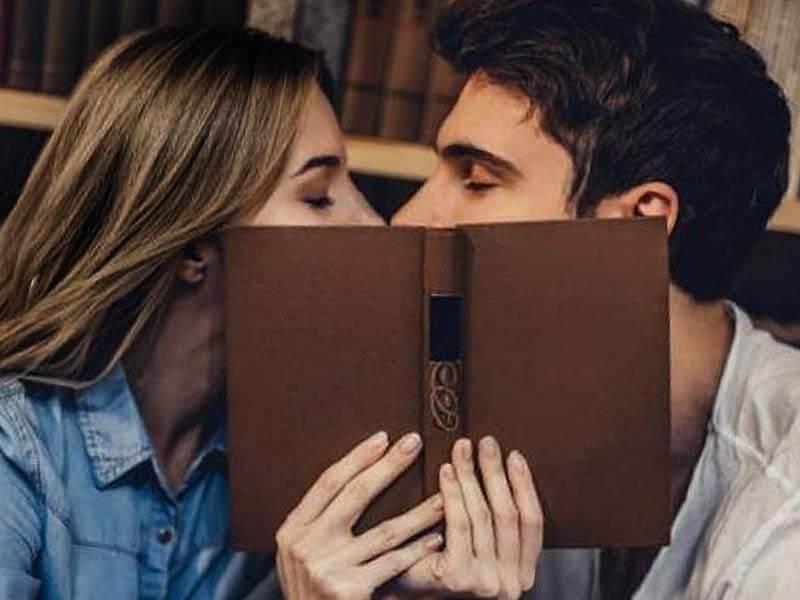How to kiss: Best way to kiss your partner to make him